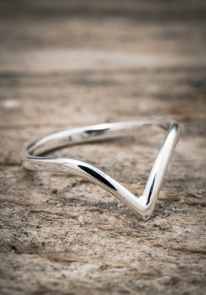 Silver ring V shaped thin