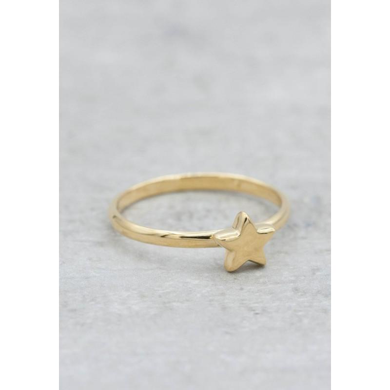 Guldpläterad ring stjärna