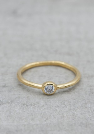 Gold plated ring c/z stone
