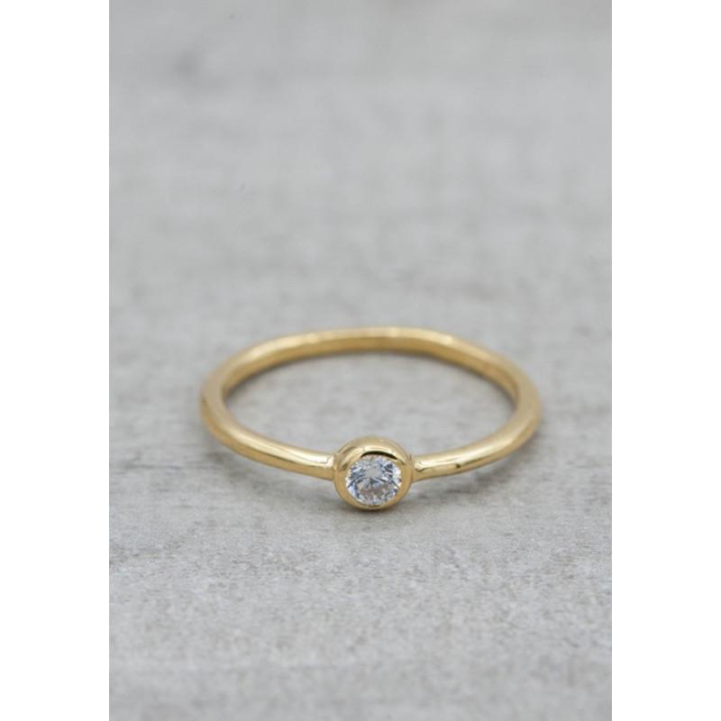 Guldpläterad ring c/z sten