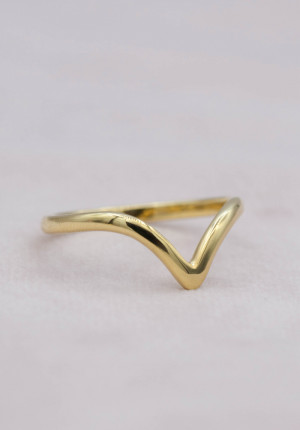 Goldplated ring V-shaped