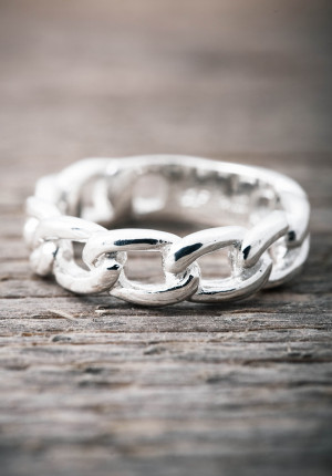 Silver ring chain