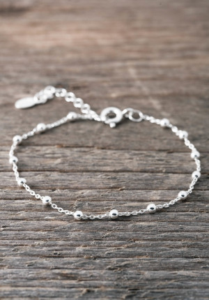 Silver bracelet thin with silver balls